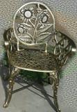 乡村花园椅美丽的向日葵