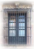 原始锻造的铁护窗