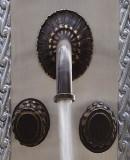 殖民庄园浴室墙壁青铜水龙头