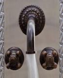 现代浴壁青铜水龙头