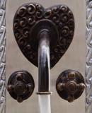 欧式酒吧厨房墙面青铜水龙头