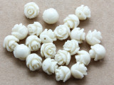 Ivory Rose Resin Beads 8mm (RES528)