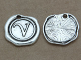V - Wax Seal Stamp - Pewter Charm 18mm (PW779)