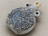 Grape Vine Ceramic Cork Bottle Pendant 46mm (AP1828)