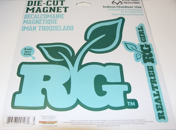 """CamoWraps Realtree Girl Die Cut Magnets  Large Magnet 7.2"""" x 7.3"""" / Small Magnet 7.6"""" x 2"""" Teal"""
