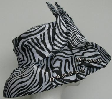 Lovely Ladies Animal Print Hat