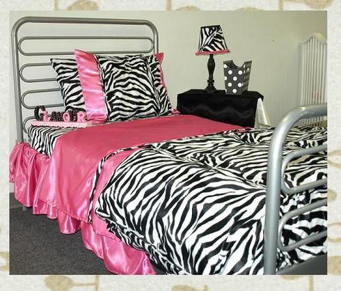 Animal print sheet set : zebra (faux fur) with hot pink satin