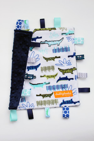 Alligators small tag blanket with navy back