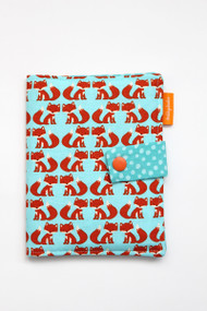 Foxes crayon wallet closed view