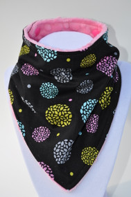 Bandana Bib - Detailed Black (pink)