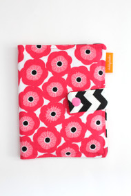 Poppy crayon wallet closed view
