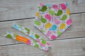 little chick gift set.. bandana bib and matching toy strap