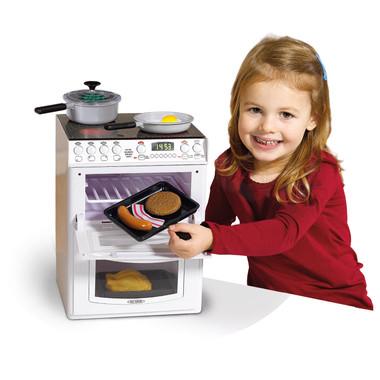 Casdon Toy Electronic Cooker Lifestyle Image 2