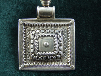 Indian square pendant