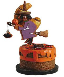 52005 - Gingerwitch with  Croissant Moon Sugar N Spice - Lemax Sugar N Spice Figurines