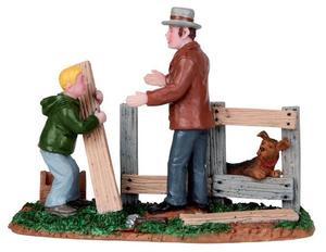12895 - Mending Fences - Lemax Christmas Village Figurines