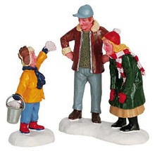 62258 -  Look What I Found!, Set of 2 - Lemax Christmas Village Figurines
