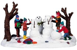 93769 -  Building a Family - Lemax Christmas Village Table Pieces