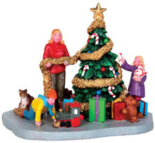 43078 - Decorating the Xmas Tree  - Lemax Christmas Village Table Pieces