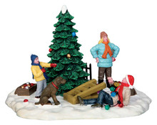 53223 - Tree Trimming Trouble - Lemax Christmas Village Table Pieces