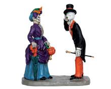 62427 - Evening Promenade - Lemax Spooky Town Figurines