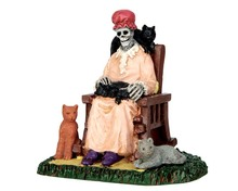 62428 - Former Cat Lady - Lemax Spooky Town Figurines
