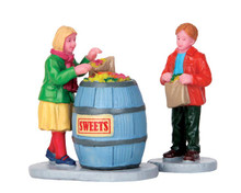 52382 - Candy Hunters, Set of 2 - Lemax Figurines