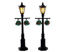 74231 - Old English Lamp Post, Set of 2, Battery-Operated (4.5v) - Lemax Misc. Accessories