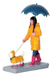 62448 - Walking in the Rain - Lemax Figurines