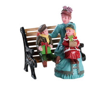82606 - Sitting Together - Lemax Figurines