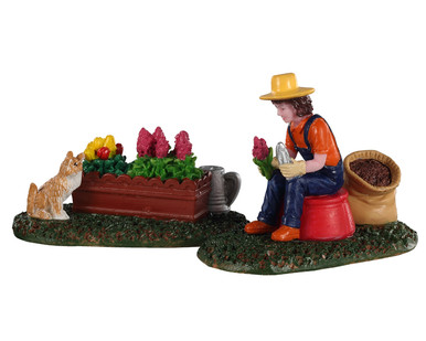02920 - Garden Grooming, Set of 2 - Lemax Figurines