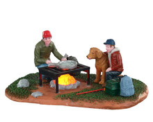 04729 - Fish Fry with Dad, Battery-Operated (4.5-Volt) - Lemax Table Pieces