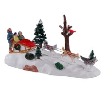 13557 - Dog Sledding Afternoon - Lemax Table Pieces
