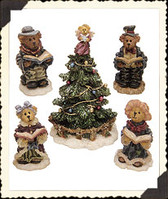 Boyds ~~~ BEARLY CAROLIN' PARTY With TREE