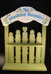 Blushing Bunnies  ~  PICKET  FENCE  DISPLAYER  *  NIB