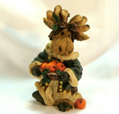 Enesco  ~  MOOSE ...  Carrying Apples  *  NEW From Our Retail Shop