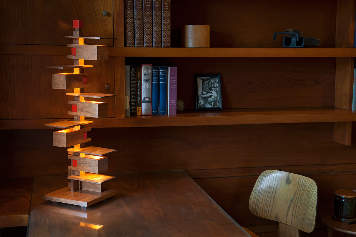 frank-lloyd-wright-taliesin-table-lamp-on-desk-taliesin3.jpg