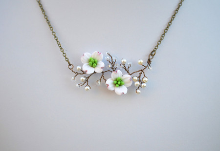 Emily Vine Necklace in White Dogwood