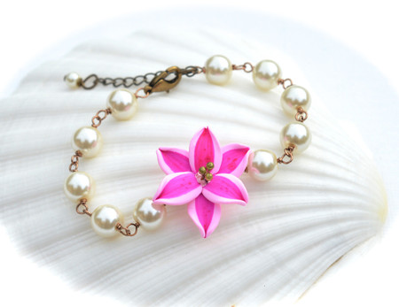 Andrea Link Bracelet in Pink Stargazer Lily with Stamens