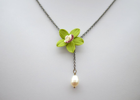 Helena Drop Necklace in Green Cymbidium Orchid with Pearl