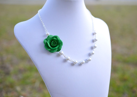 Alysson Asymmetrical Necklace in Emerald Green Rose. FREE EARRINGS