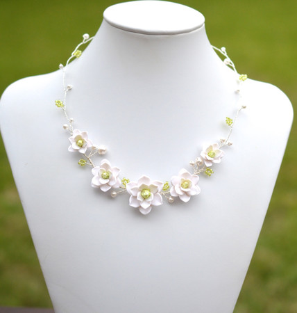 Nora Vine Necklace in White Magnolia