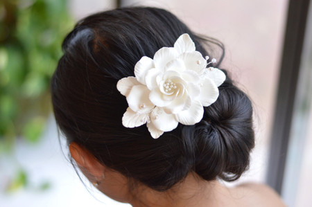 Alexandra Hair Clip in White Rose