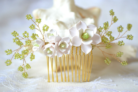 Julia  Bridal Hair Comb in White Magnolia