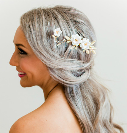 Caesar  Hair Comb in White Garden Rose and Gold Center