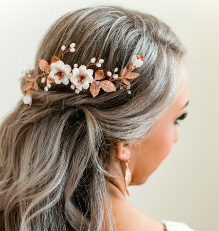 Carmen  Hair Comb in White Garden Rose