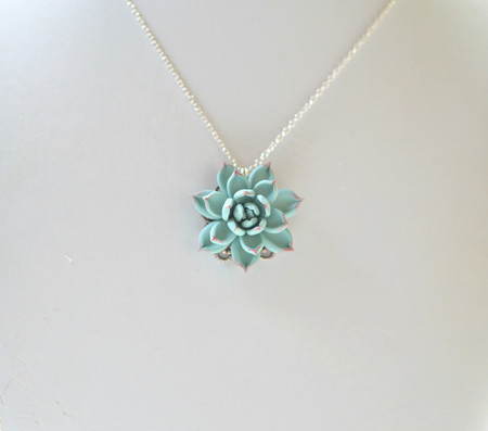 Alea Drop Necklace In Dusty Mint succulent
