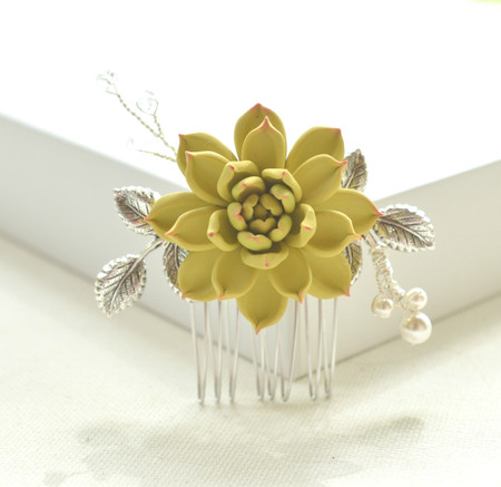 JUDITH Hair Comb in Yellow Corn Succulent