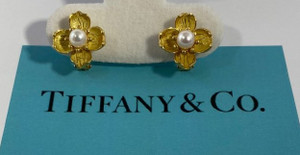 Vintage Tiffany & Co Dogwood 18K Flower Pearl Earrings