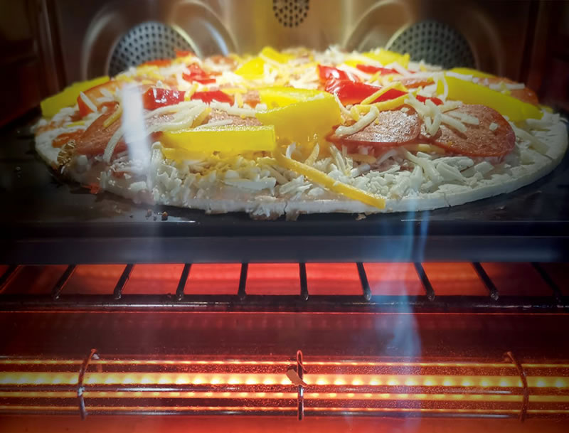 June Oven With Pizza